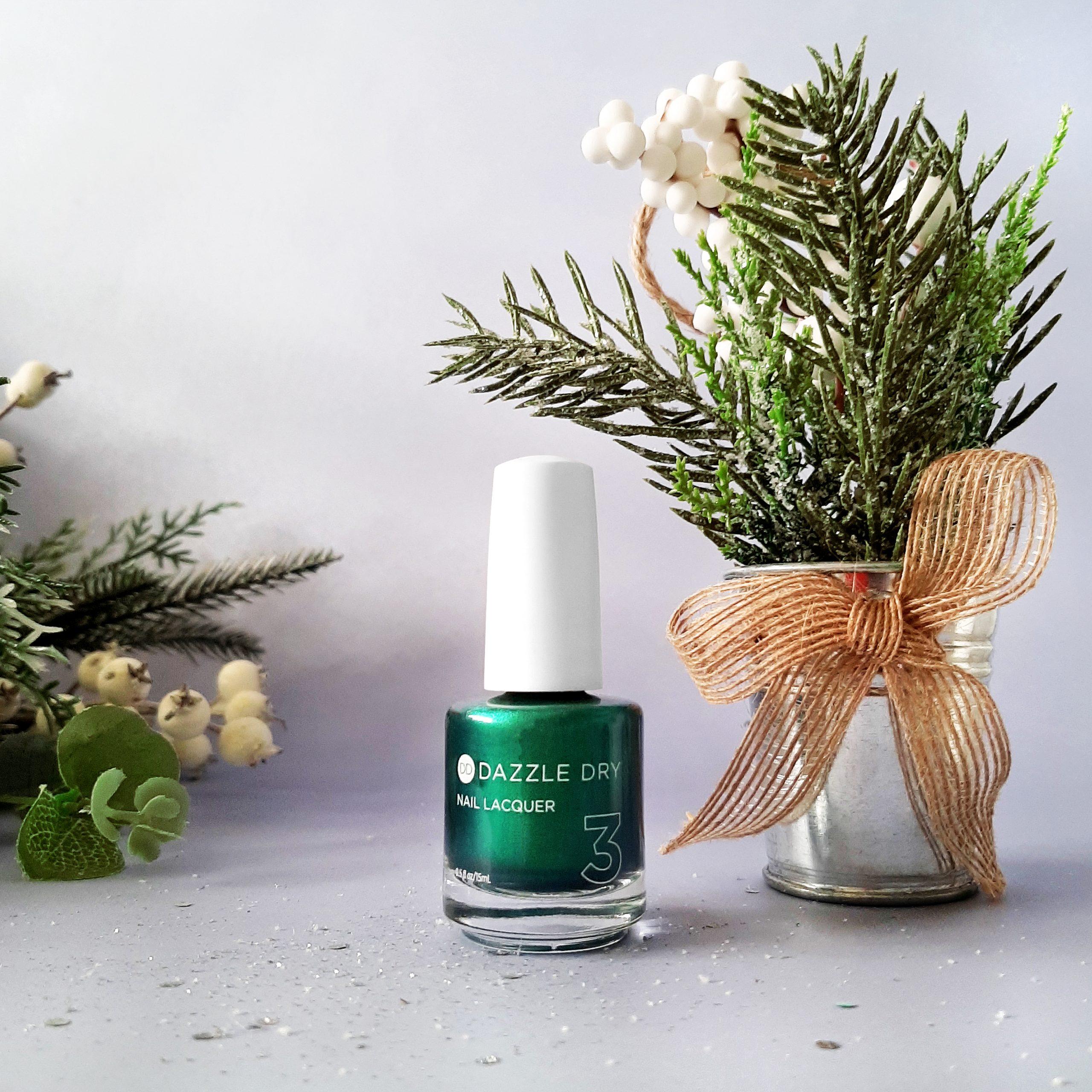 green-xmas-polish-2